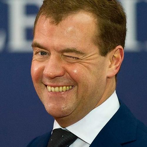 СМИ сообщили, что во время трансляции Медведева во «ВКонтакте» запретили комментарии. Они были закрыты с самого начала