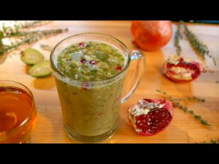 Два с половиной повара. Выпуск 21: густой норвежский рыбный суп, несладкий пирог клафути с помидорками черри и цукини, а также горячий витаминный напиток из фейхоа!