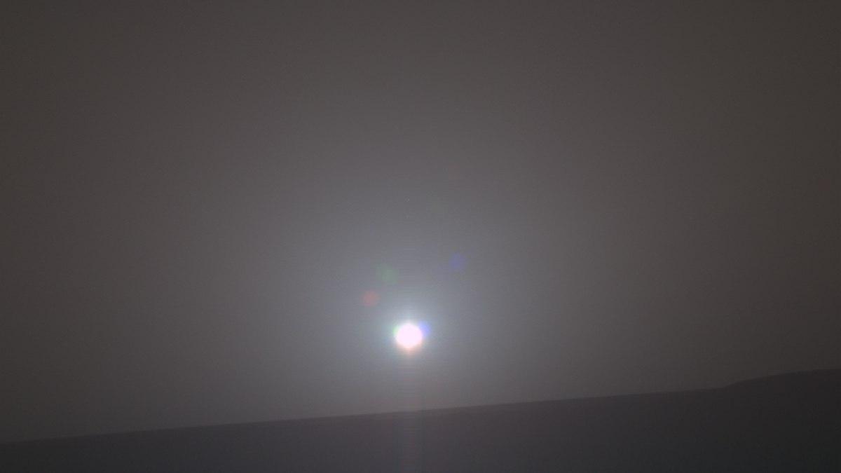Фото: обычный рассвет на Марсе