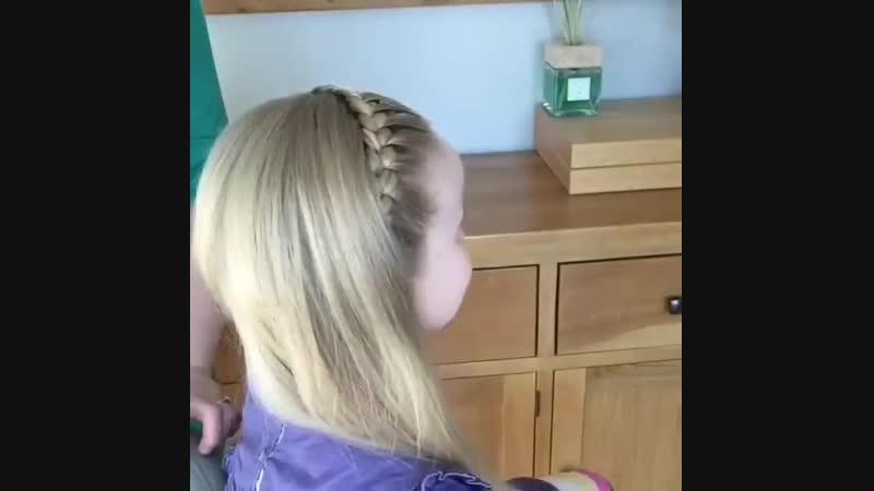 Одна из самых красивых причесок для маленькой принцессы