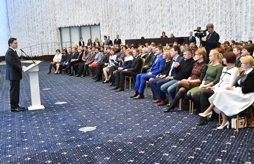 С Днем российской печати, уважаемые журналисты! Ваша ежедневная работа помогает обеспечивать открытость власти, развивать диалог между гражданами и государством, адресно решать проблемы людей. Творческого вдохновения и удачи во всех добрых делах! #деньпечати #СМИ