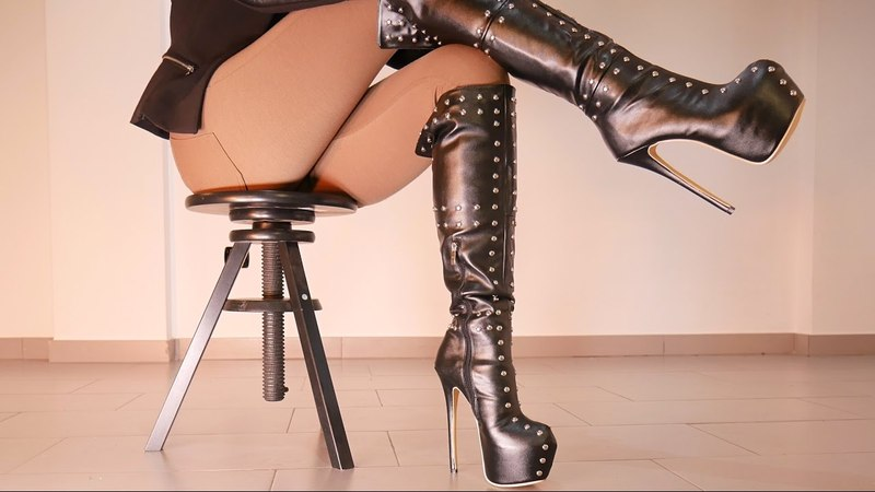 Princesswalks - Goddess Teasing In Studded Leather Knee Platform Boots