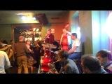 Джаз кафе на ул. Белинского в Санкт-Петербурге.
