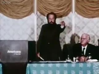Солженицын призывает сбросить атомную бомбу на СССР