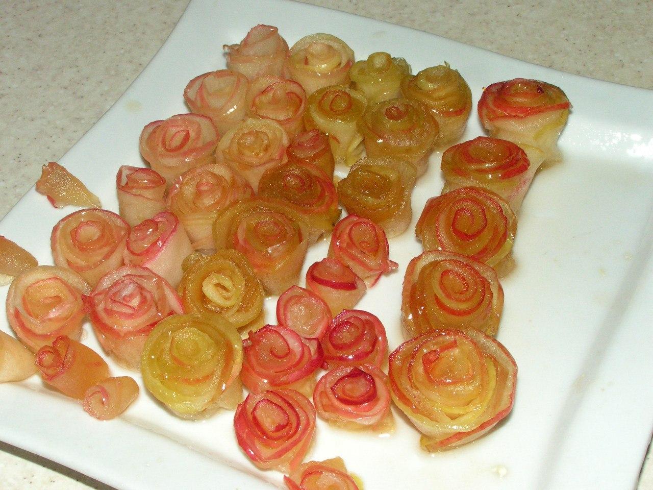 Как сделать розы их яблоками 78