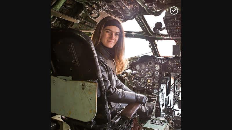 Сибирячка восстанавливает самолет