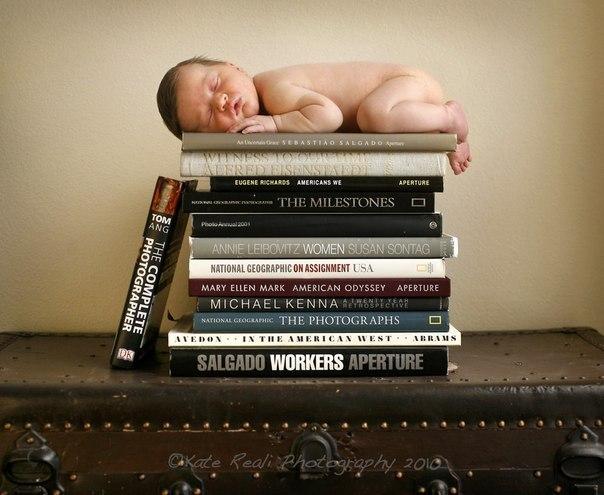 Если вы хотите, чтобы ваши дети были умными — читайте им сказки. Если вы хотите, чтобы они были еще умнее — читайте им больше сказок.  © Альберт Эйнштейн