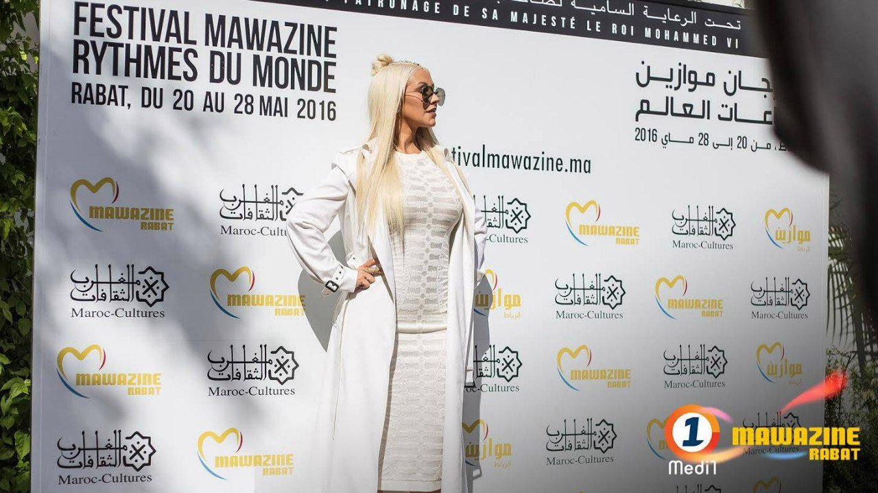 Christina Aguilera - Página 11 N_Puuh37la8