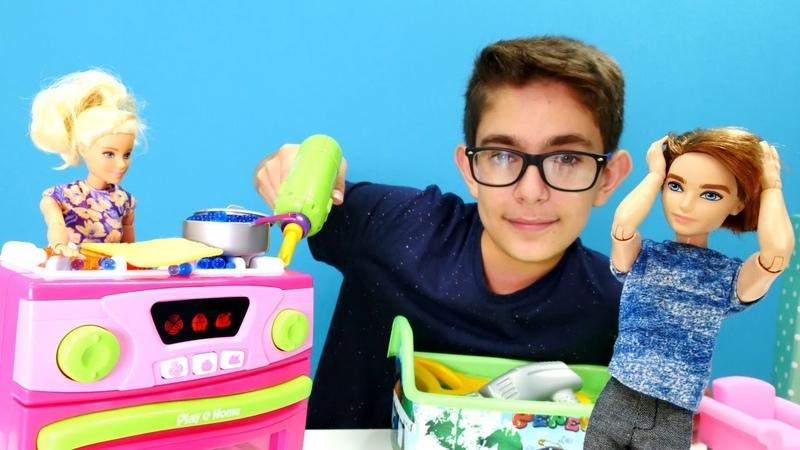 Barbie ve Kenin ocağı ve sakar tamirci. Eğlenceli video