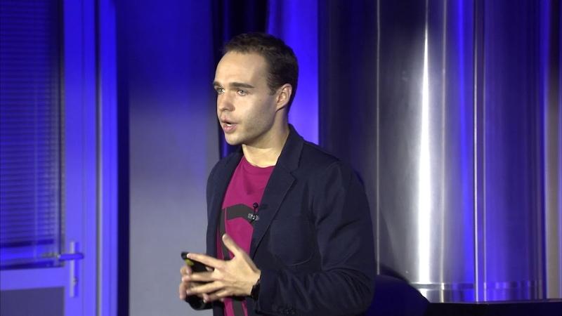 Интернет и молодежь - Студия 360 разговоров о будущем Сергей Гребенников