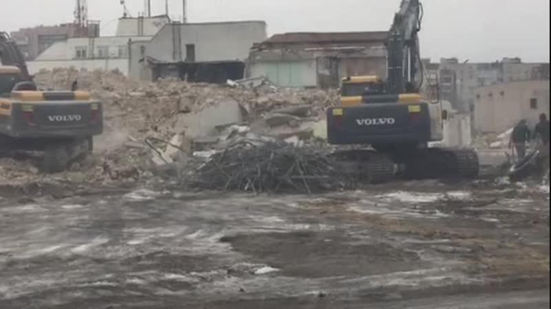 Демонтаж старого здания под жилую застройку для ХК КМБ ул. Кибальчича 2