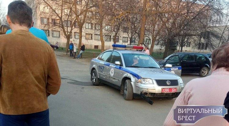 В Кобрине при задержании пьяного водителя повреждены несколько авто, в том числе ГАИ