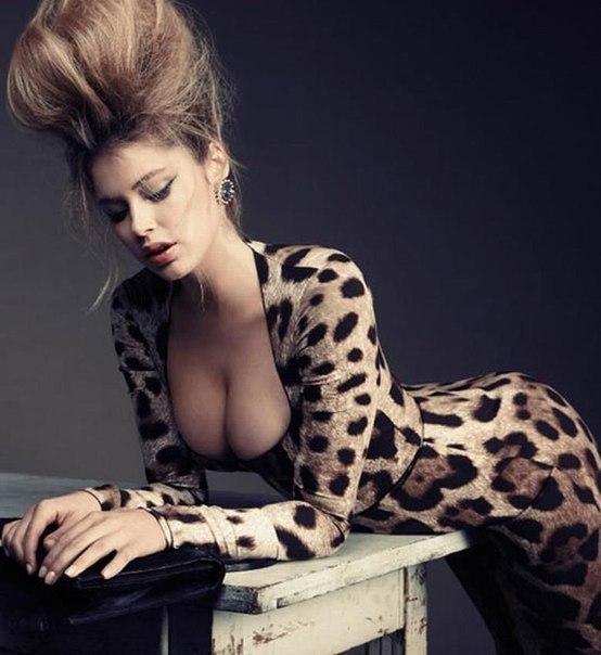 фото с телефона в леопардовом костюме