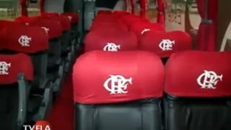 Flamengo lança novo ônibus para o futebol profissional