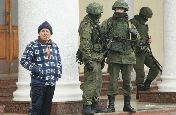 التصعيد العسكري الروسي بشبه جزيرة القرم الأوكرانية  3s0wLSZEH5o