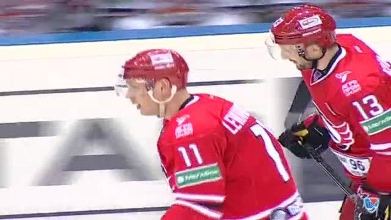 Моменты из матчей КХЛ сезона 14/15 • Гол. 1:0. Левандовский Эдуард (Автомобилист) с ходу в дальний 20.01
