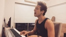 """Maxi Espindola on Instagram: """"Vivo por ella.. por la MUSICA.. Feliz en su dia!!.. 🙌🏻🎙"""""""