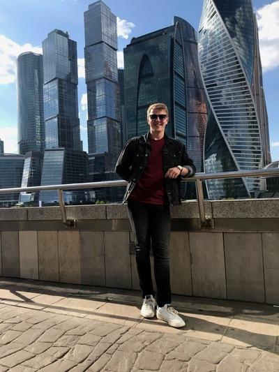 Юра Маклеев
