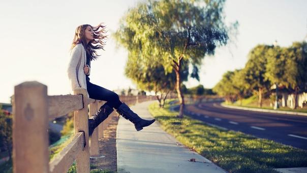 Опираться на себя — это значит верить себе. Доверять своим чувствам, ощущениям, мыслям, желаниям, потребностям. Это значит верить себе в этом и этому в себе настолько, чтобы именно на этой основе жить! Ощущать холод — беречь себя и согреваться. Ощущать го