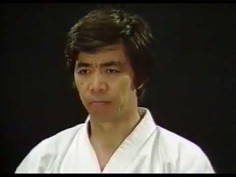 Хирокадзу Канадзава - ката каратэ сётокан.