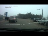 Смотреть с 0:15!! водитель автомобиля с видеорегистратором сбил пешехода, неожиданно вышедшего на проезжую часть дороги прямо перед его машиной. А виноват водитель , хотя пешеход сам е...н.