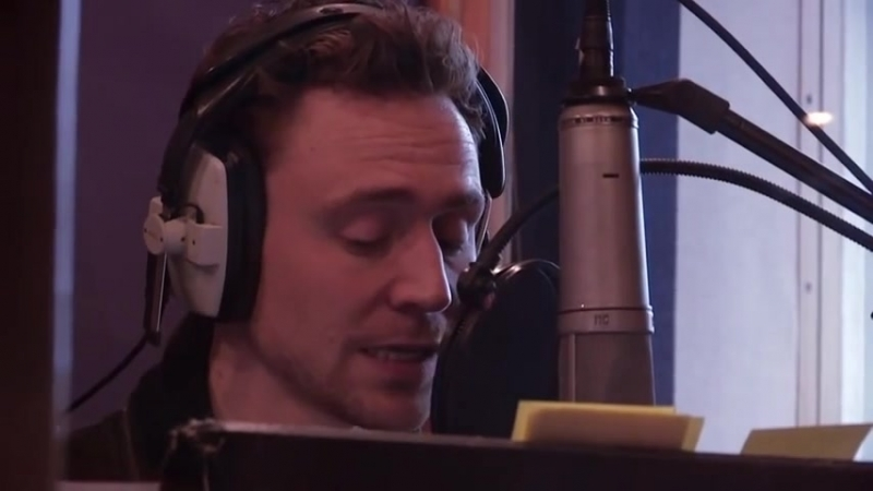Tom Hiddleston, The Love Book app (available at your app store). Shakespeares Sonnet 18