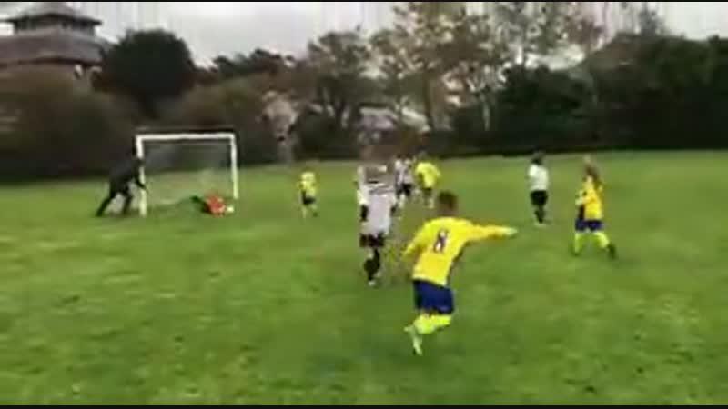 Emery when a shot comes anywhere near Cech
