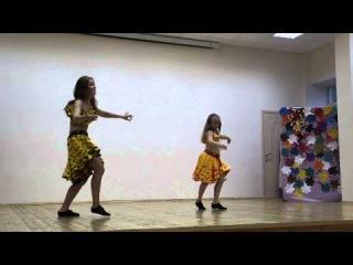 Анастасия Володина и Полина  Калинина на открытие школы