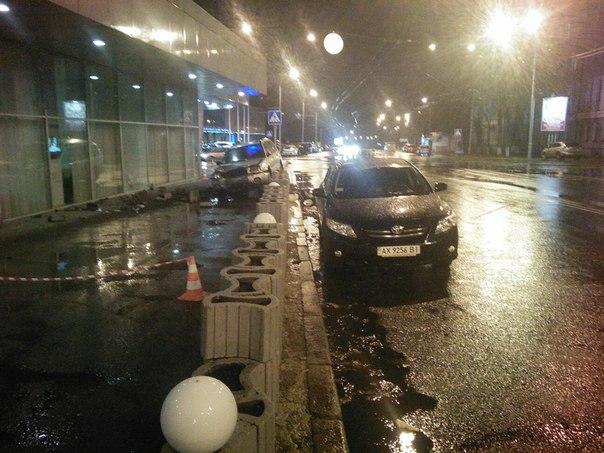 В центре Харькова появился автовандал (ФОТО)
