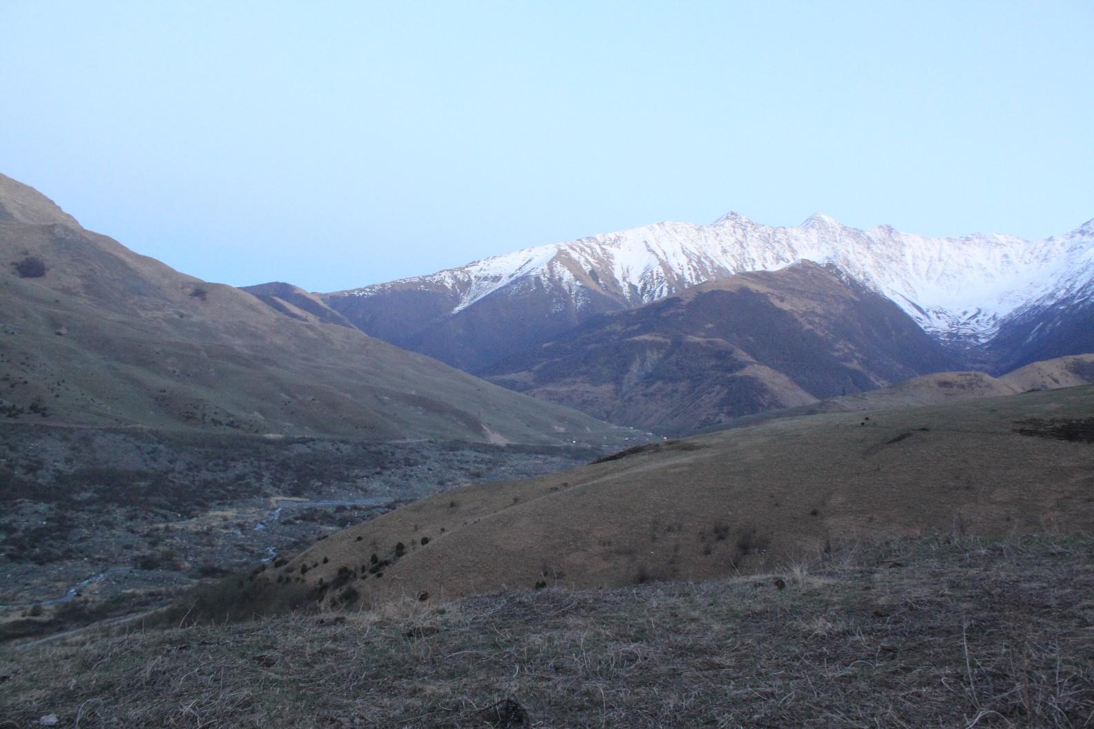 16 лет назад в Кармадонском ущелье  Северная Осетия сошл ледник Колка