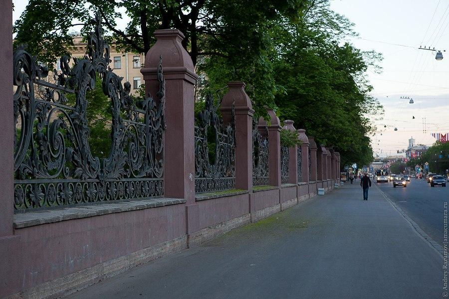 В парке 9 Января, в Петербурге найден труп 17-летней девушки