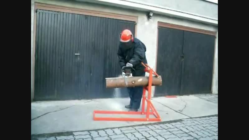 Самодельный держатель древесины для резки дров