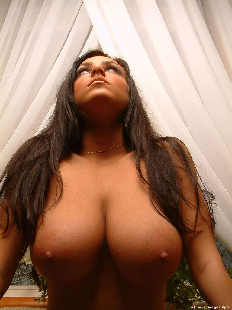 Bewitching naked brunette hair slut on the