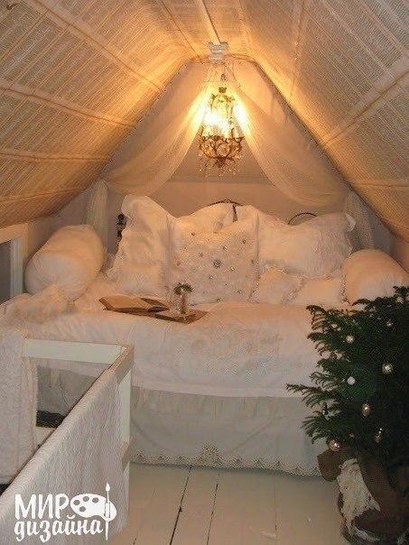 Спальня на чердаке (1 фото)