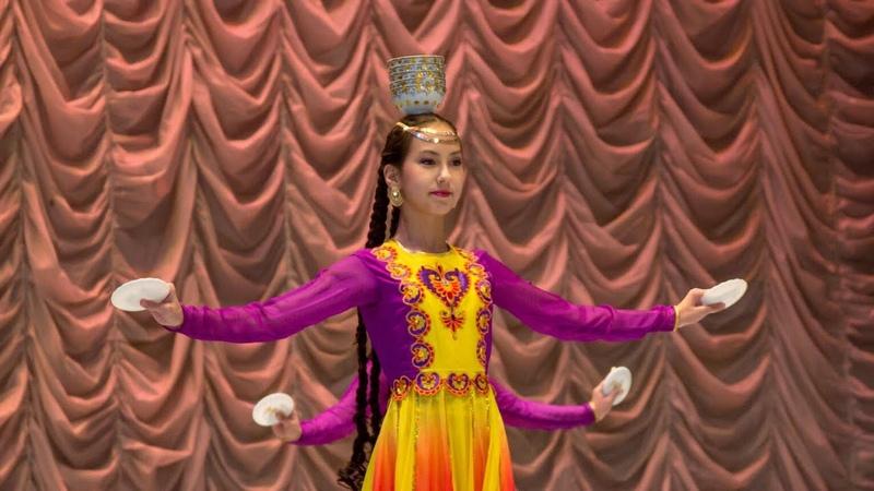 Uygur Dance Уссулчи гунчиляр (танцующие бутончики) - Чина