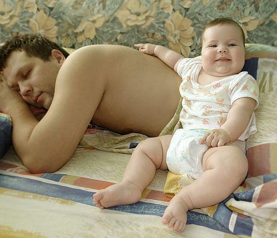маленькая дочка с папой занимаются любовью фото