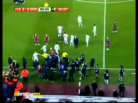 Sergio Ramos fight against Messi, Xavi and Puyol. Barcelona vs Real Madrid. 29.11.10