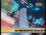 Didem performing on Mein teri dushman