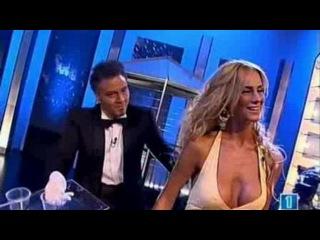Случайные засветы у телеведущих в прямом эфире без трусов порнушка