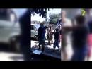 Перекрытие дороги на Хуторской местные жители подрались с дальнобойщиком