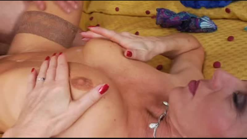 Stockings Mature Red Shoes Anal and Cumshot Free Porn a1 de