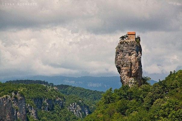 Удивительный домик в Грузии.