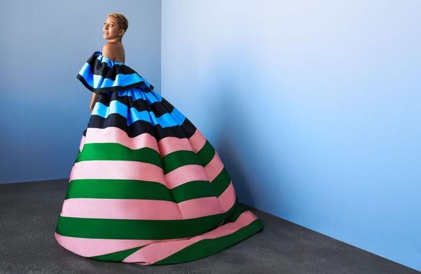 JADA PINKETT-SMITH, WILLOW SMITH and ADRIENNE BANFIELD-NORRIS Harper's Bazaar, 12/2018