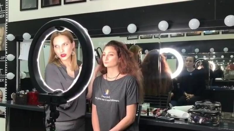 Демонстрация макияжа на Экспресс-курсе