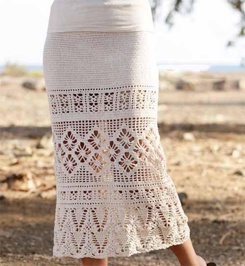 Вязаная длинная юбка с ажурными вставками