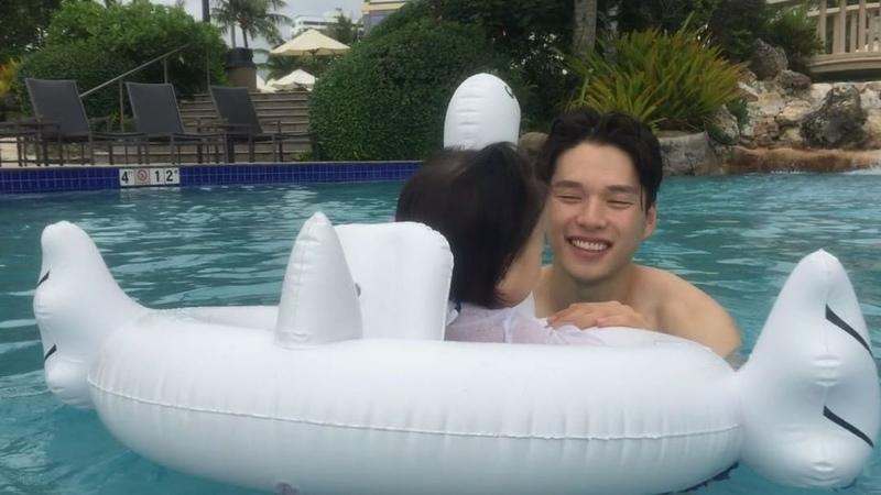 "Minsu Choi on Instagram: ""우행시🏊🏻 물을 너무 좋아하는 최토리는 물에서 꺼내니 엉엉 울고불고, 방에 들어와서 욕조에서 또 놀았다 수영을 꼭 시켜줘야겠다✌️ 첫해외여행 최토리 guam 아빠와딸 딸스타그램 daughter fathe..."