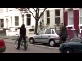 Оригинальный способ угона автомобиля!