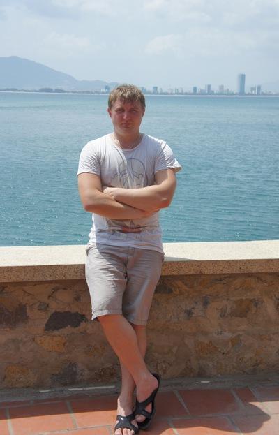 Павел Комаров