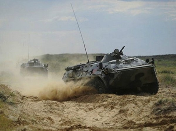 ФСБ России: Украинские войска стягивают бронетехнику к границе с Ростовской областью