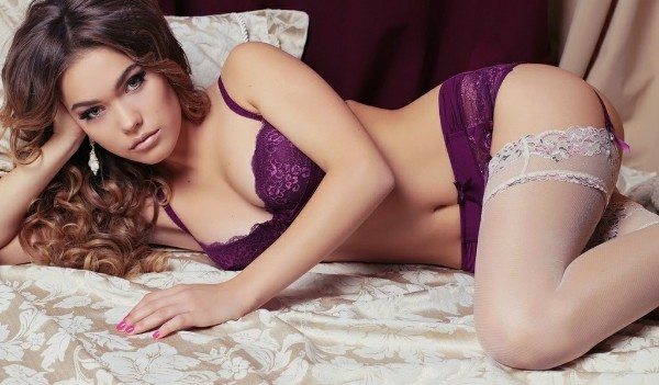 Turned on pale brunette lezzie acquires her
